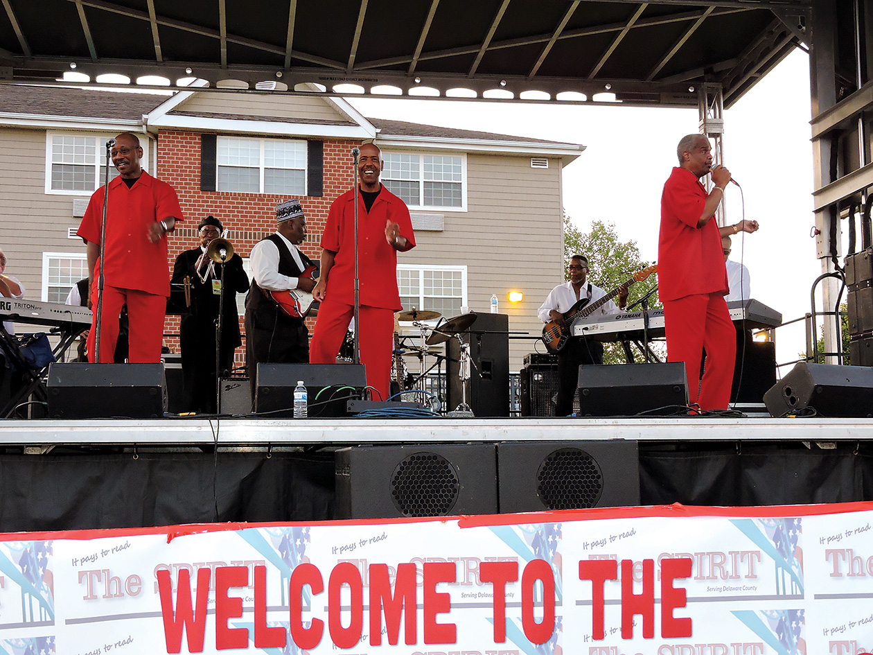 Russell Thompkins, Jr. and the New Stylistics brought down the house at the Spirit Summer Festival.