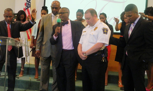 Special service offers prayers for police